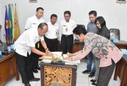 Jalin Kerja Sama Industri, Universitas PGRI Palembang dan OPI Mall Teken MoU