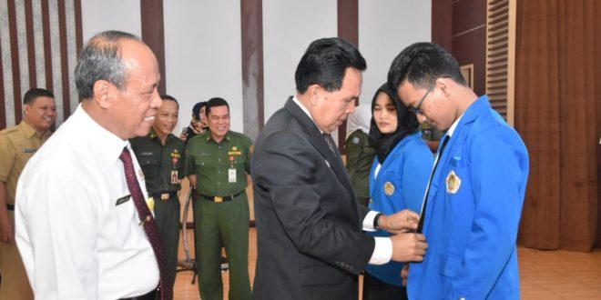 Rektor Universitas PGRI Palembang Serahkan Mahasiswa KKN/KKL dan Teken MoU Dengan Walikota Prabumulih