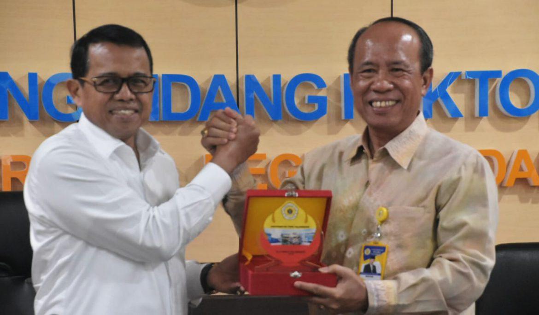 Universitas PGRI Palembang Jalin Kerja Sama dengan Universitas Negeri Padang
