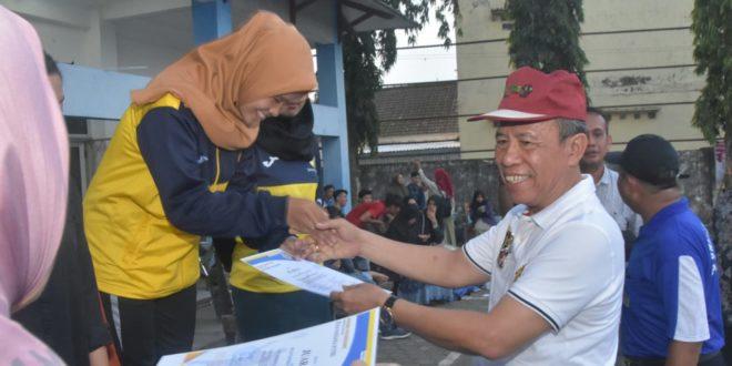 Meriah Penutupan Seleksi POMDA 2019 Cabang Olahraga Bola Voli dan Bulu Tangkis di Universitas PGRI Palembang