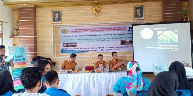 Warga Desa Sungsang III Antusias Ikuti PKMS Tim Dosen Fakultas MIPA Universitas PGRI Palembang