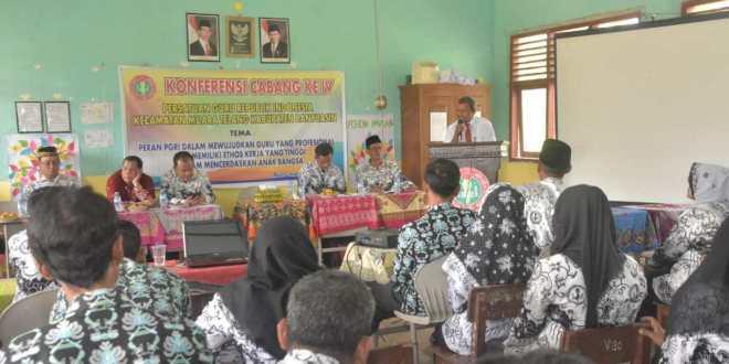 Guru, Kepsek, dan Pengurus PGRI Muara Telang Antusias Ikuti Sosialisasi PMB Universitas PGRI Palembang