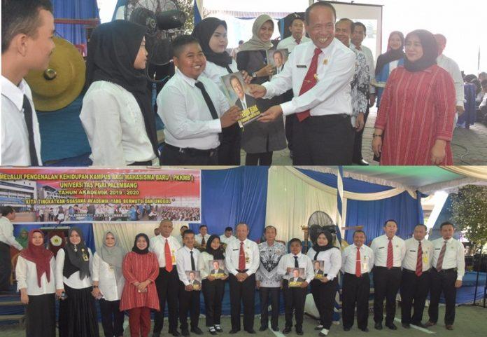 Sebanyak 1588 MABA UPGRI Palembang Ikuti PKKMB