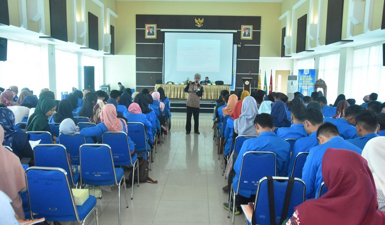Hadapi Bonus Demografi, 170 Mahasiswa FKIP Universitas PGRI Palembang Diberi Pembekalan