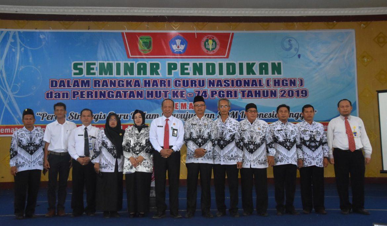 Rektor Universitas PGRI Palembang Jadi Pembicara Seminar Nasional di Kabupaten Empat Lawang
