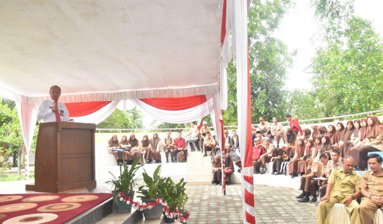 Rektor Universitas PGRI Palembang Teken MoU dan Sosialisasi di SMKN 3 Sekayu Muba