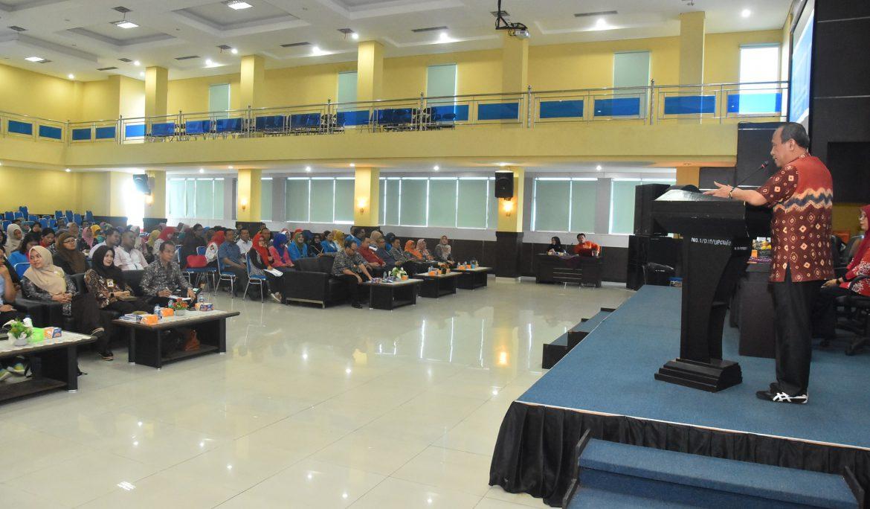 Tingkatkan Kualitas SDM, PPs Universitas PGRI Palembang Gelar Pelatihan Penulisan Artikel Ilmiah
