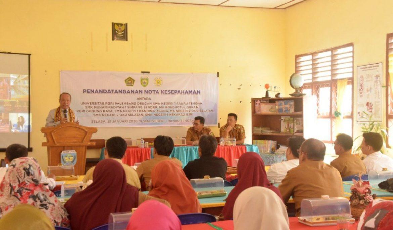 8 SMA, SMK, dan MA Negeri dan Swasta di Kabupaten OKU Selatan Jalin Kerja Sama dengan Universitas PGRI Palembang