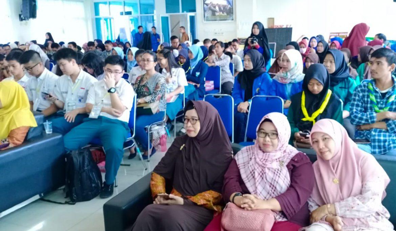HMPS Matematika FKIP Universitas PGRI Palembang Gelar Mathematics Competition Eksis