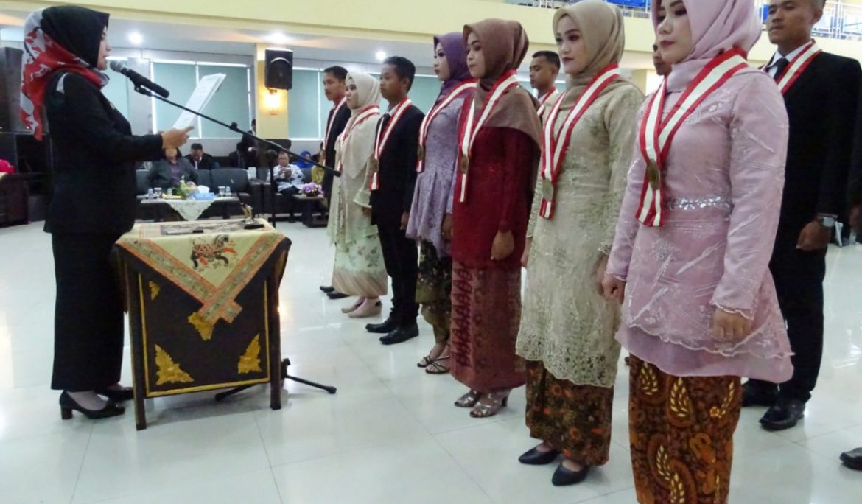 Lagi, FKIP Universitas PGRI Palembang Yudisium dan Lantik 107 Sarjana Baru