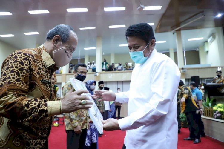 Gubernur Sumsel Serahkan Bantuan UKT 18.083 Mahasiswa se-Sumsel