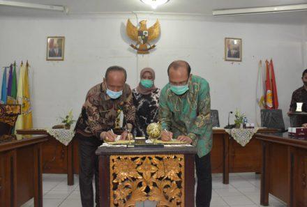 Berkas MoU Diteken, Universitas PGRI Palembang Resmi Kerja Sama dengan Seameo Ceccep