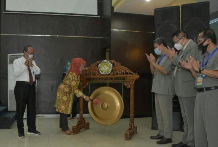 Program Pascasarjana Universitas PGRI Palembang Gelar Pelatihan Penulisan Tesis