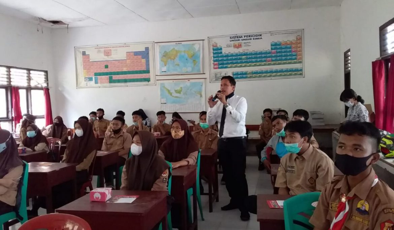 Dosen Prodi Biologi Universitas PGRI Palembang Gelar PkM di SMA Negeri 2 Muara Dua