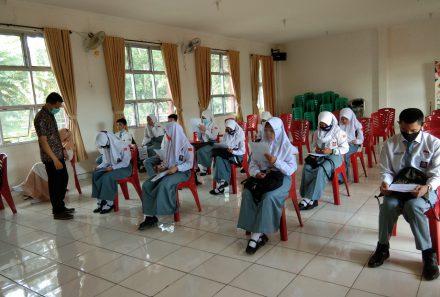 Dosen Prodi Seni Pertunjukan FKIP Universitas PGRI Palembang Gelar PkM di SMAN 1 Pagaralam