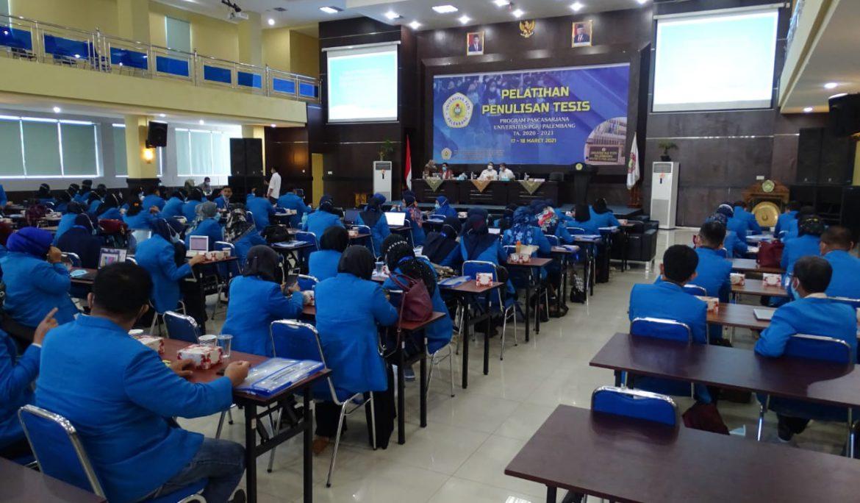195 Mahasiswa Program Pascasarjana Universitas PGRI Palembang ikuti Pelatihan Penulisan Tesis