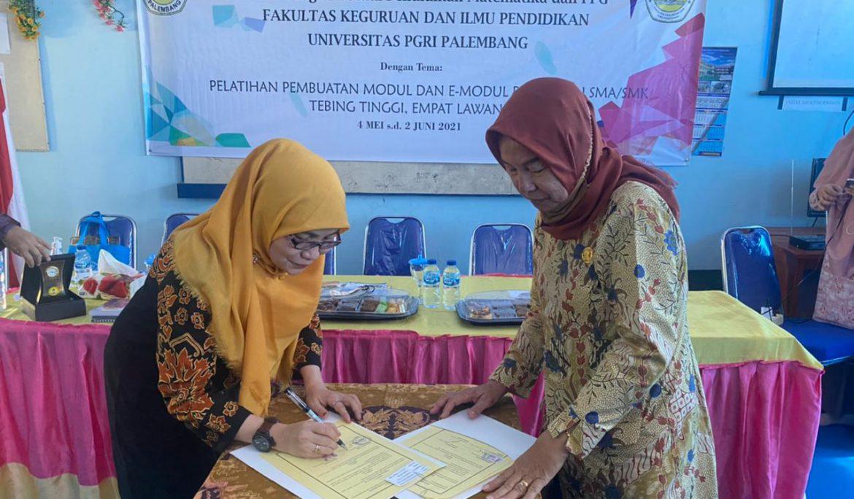 Dosen FKIP Universitas PGRI Palembang Gelar PkM dan Pelatihan di SMA Negeri 2 Tebing Tinggi