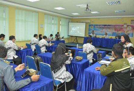 Webinar Awali Rangkaian Pekan Kewirausahaan Universitas PGRI Palembang