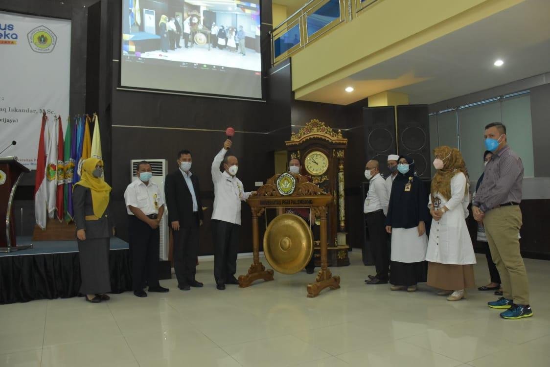 Tingkatkan Motivasi Dosen, Universitas PGRI Palembang Gelar Pelatihan Penyusunan Proposal Penelitian