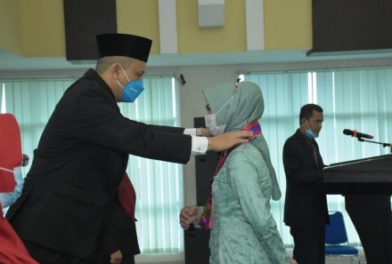 Dengan Prokes Ketat,Fakultas Sains dan Teknologi Universitas PGRI Palembang Gelar Yudisium